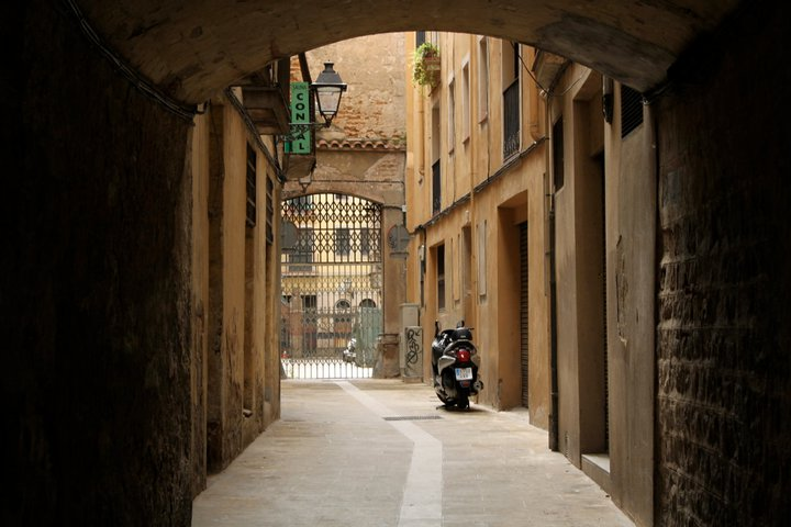 Where in Spain Wednesday: Barcelona's Gothic Quarter  ¡Hola Yessica!