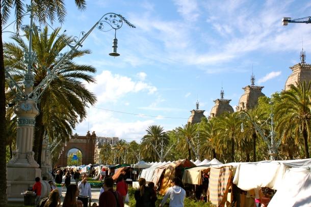 Barcelona-street-fair-Arc-de-Triomf