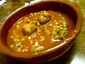 What to do in Barcelona: Eat Tapas at El Rincón del Cava