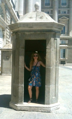 Madrid-Palacio-Real-sentry-box