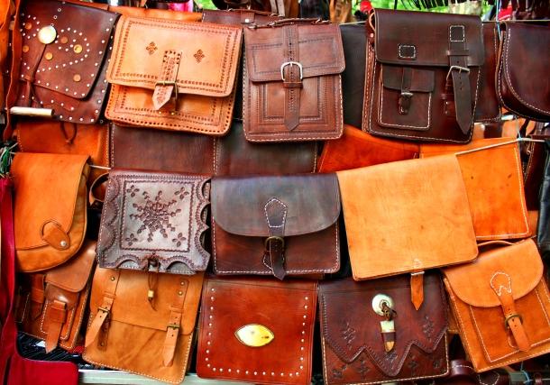 Madrid-El-Rastro-leather-bags-Spain