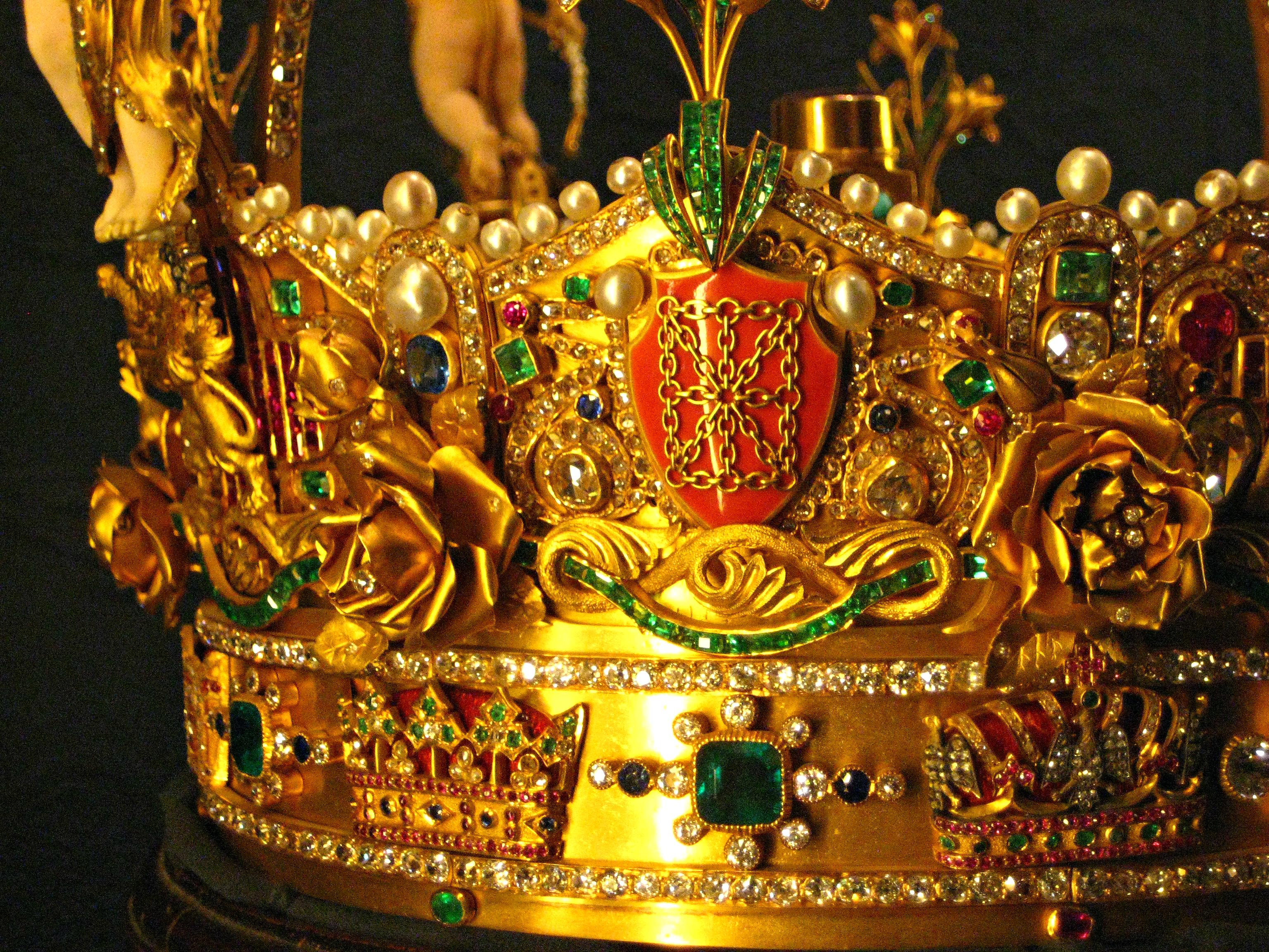 Real Royal Crowns