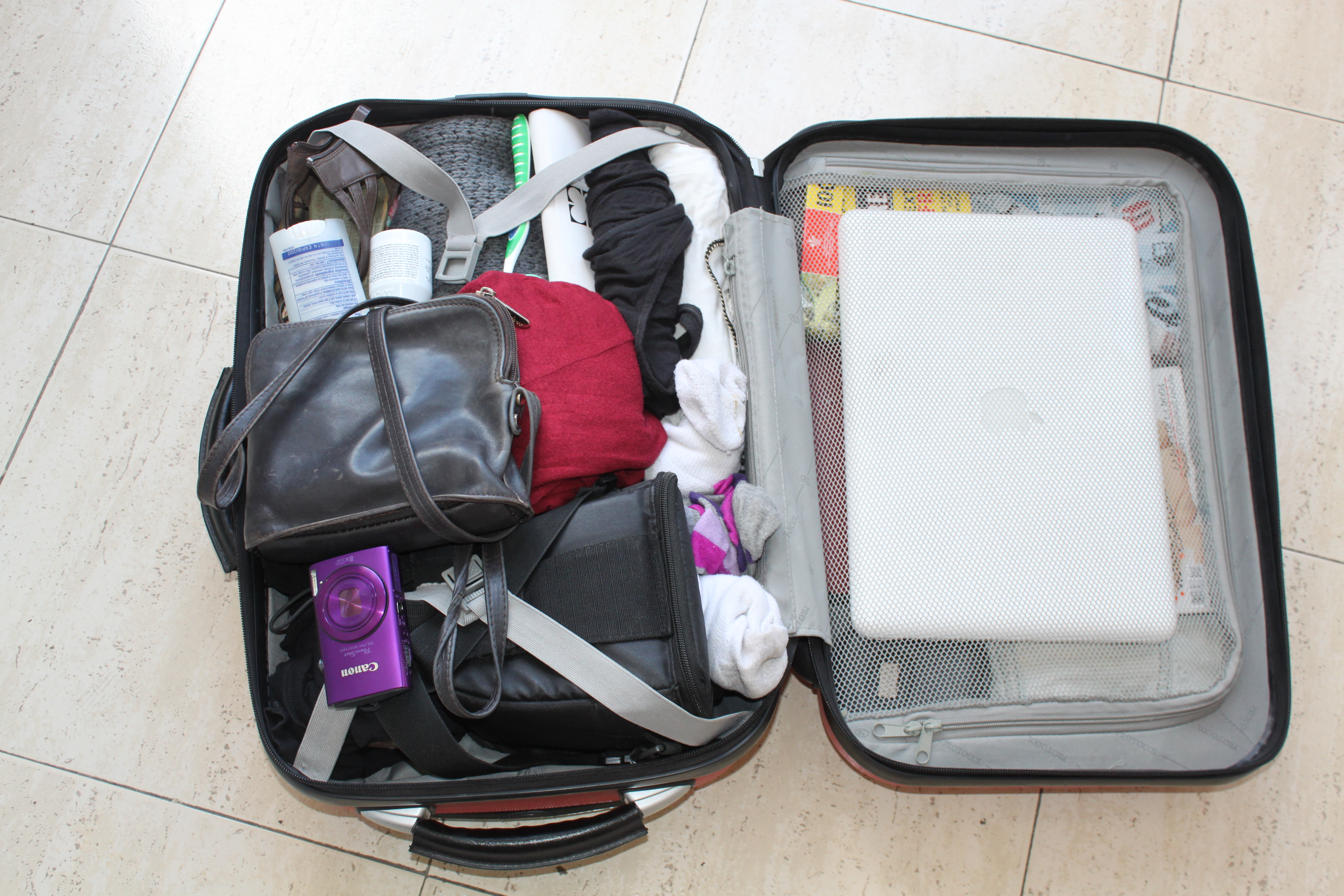 how to pack luggage for international flight