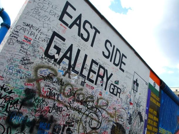 Berlin-East-Side-Gallery-wall-art-Germany
