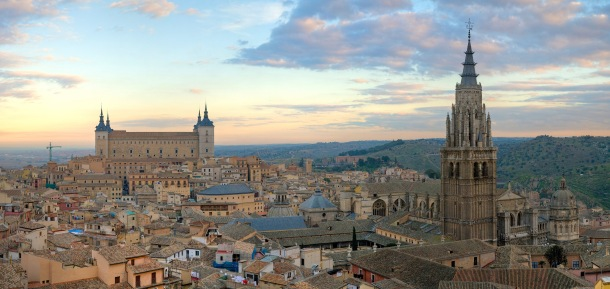 Toledo_Skyline_Panorama,_Spain_-_Dec_2006