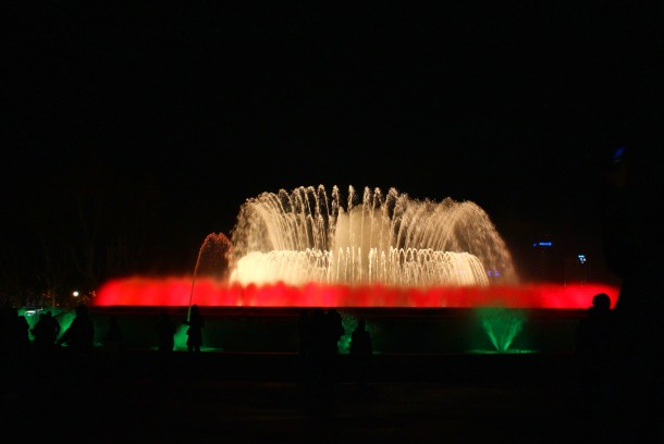 Barcelona-Christmas-Magic-Fountain-2012